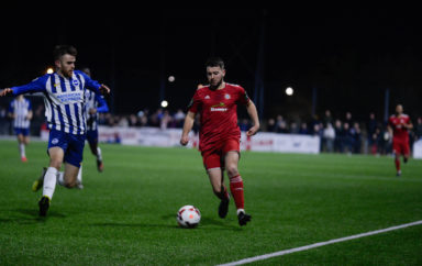 Seagulls leave it late to overcome defiant 10-man Worthing